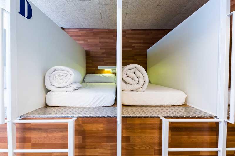 Far_home_hostel_mixta6_bano_privado_Bernabeu_001