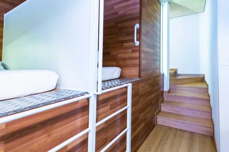 Far_home_hostel_mixta6_bano_privado_Bernabeu_006
