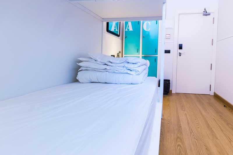 Far_home_hostel_mixta_bano_compartido_Bernabeu_004